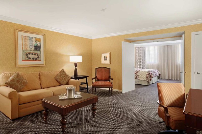Hotel.de - Hilton Hotel New Orleans St. Charles Avenue