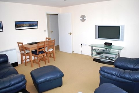 Town Or Country Apartments - Other Hotel Services Amenities