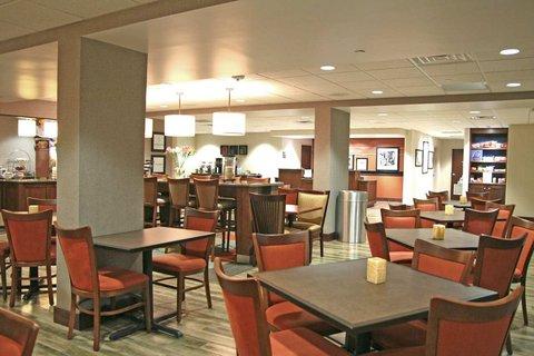 Hampton Inn - Fort Smith - Breakfast Seating Area
