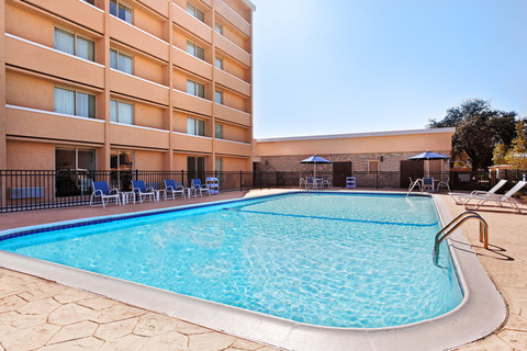 Four Points by Sheraton College Station - Pool