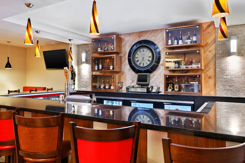 Four Points by Sheraton College Station - Bar