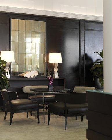 Hyatt Regency Pier Sixty-Six - Detail Furniture Shelby1107