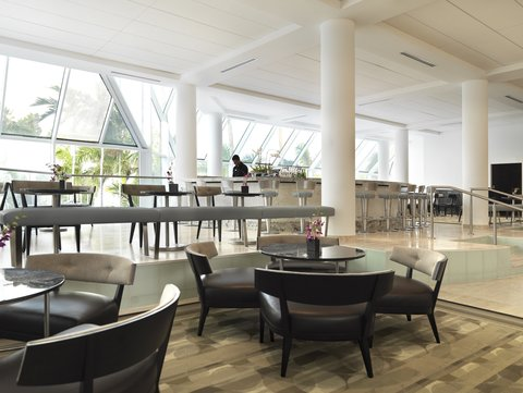 Hyatt Regency Pier Sixty-Six - Lounge Lobby Bar Day3 Shelby1107