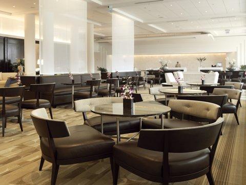 Hyatt Regency Pier Sixty-Six - Lounge Lobby Day1 Shelby1107