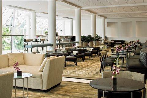 Hyatt Regency Pier Sixty-Six - Lounge From Lobby Day2 Shelby1107