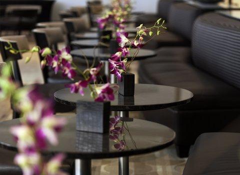 Hyatt Regency Pier Sixty-Six - SIG Lobby Bar Detail Shelby