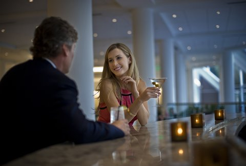 Hyatt Regency Pier Sixty-Six - Lifestyle Lobby Lounge Shelby1107