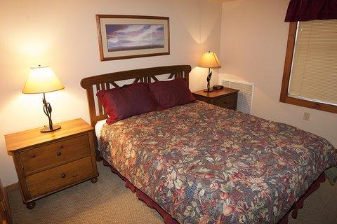 Rimfire Lodge - Bedroom