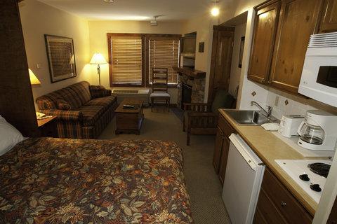 Rimfire Lodge - Living Area