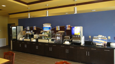 Holiday Inn Express & Suites GEORGE WEST - Breakfast Bar including cinnamon roll  pancakes  eggs   bacon