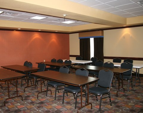 Holiday Inn Express & Suites GEORGE WEST - Meeting Room at the Holiday Inn Express George West