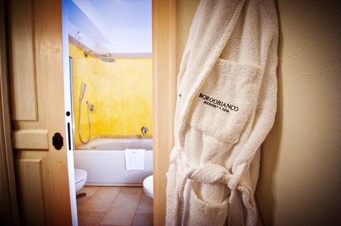 Borgobianco Resort & Spa - Classic Bathroom