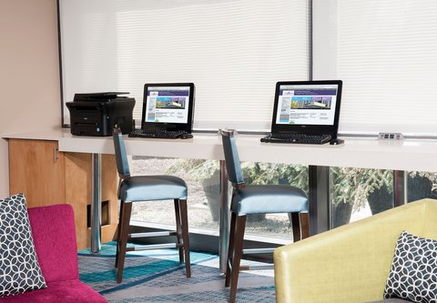 SpringHill Suites Chicago O'Hare - Business Center