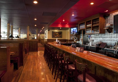 SpringHill Suites Chicago O'Hare - Outback Steakhouse