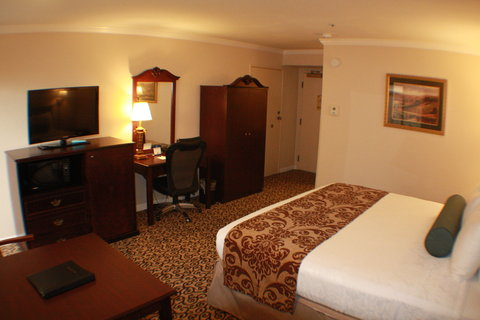 Best Western Plus Inn At The Vines - King Guest Room with Balcony