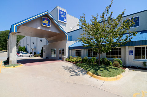 BEST WESTERN PLUS Longbranch Hotel & Convention Center - Hotel Entrance
