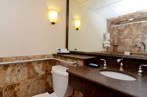 BEST WESTERN PLUS Longbranch Hotel & Convention Center - Mobility Accessible Guest Bathroom