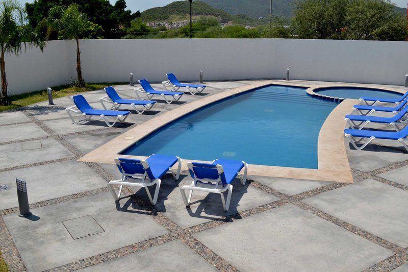 Holiday Inn Express Guaymas Piscina