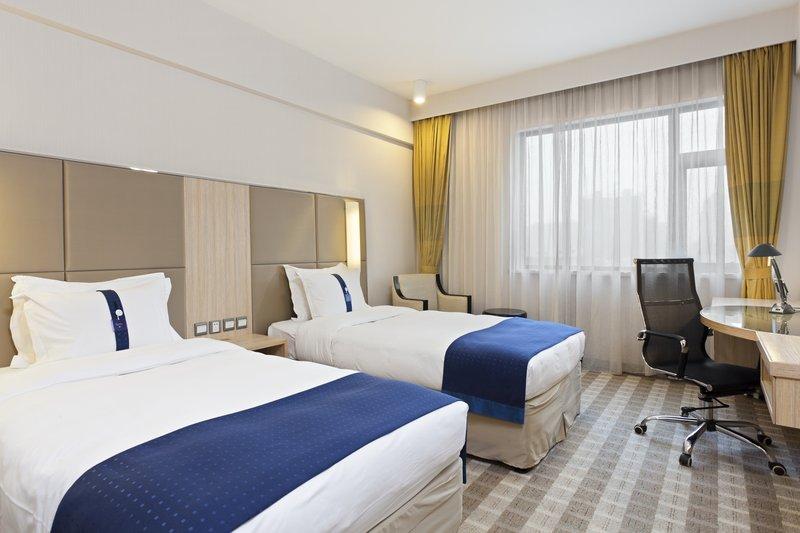 Holiday Inn Express Zhengzhou View of room