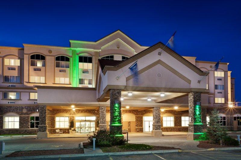 Holiday Inn Lethbridge Außenansicht