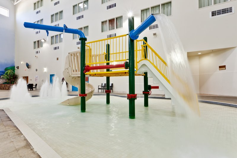 Holiday Inn Lethbridge Poolansicht