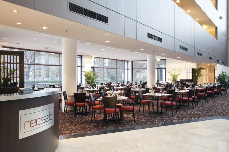 Crowne Plaza Hotel Canberra Gastronomia