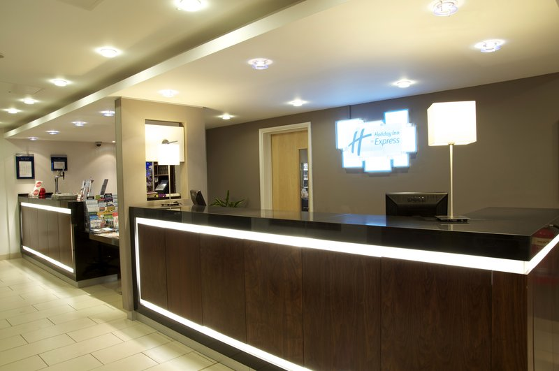Holiday Inn Express Edinburgh-Royal Mile Lobby