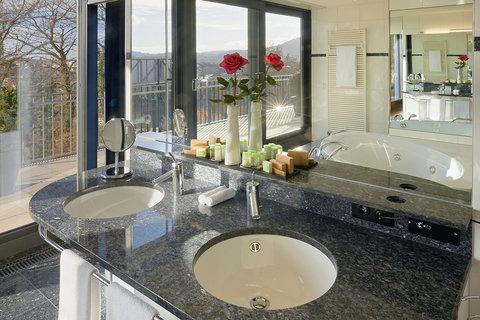 Hotel Allegro Bern - Penthouse Bathroom at Hotel Allegro Bern