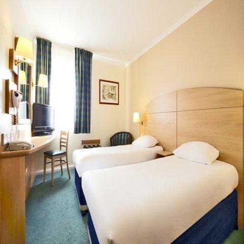 Campanile Glasgow - SECC Hotel - Twin Room 1