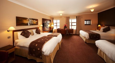 Riverside Park Hotel and Leisure Club - Deluxe Family Room