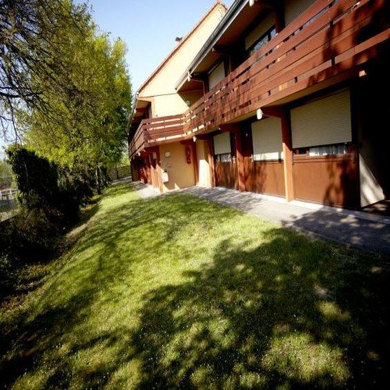 Hotel Campanile La  Ferte Bernard Außenansicht