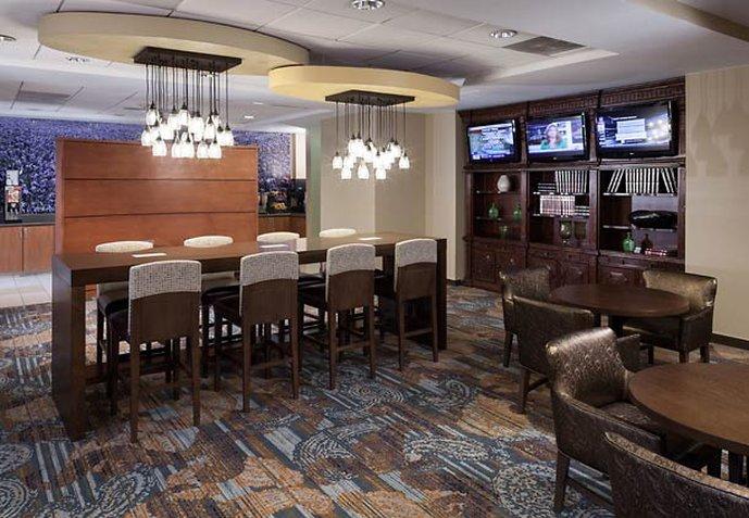 SpringHill Suites Dallas Downtown/West End Ravintolat