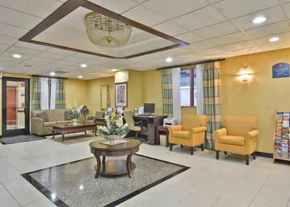Holiday Inn Express LOS ANGELES-UNIV CTY-CAHUENGA Lobby