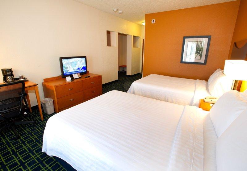 Fairfield Inn & Suites Arlington Near Six Flags