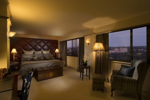 Stamford Plaza Adelaide - Presidential Suite Bedroom