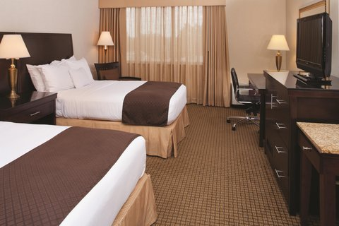 Doubletree Hotel Cleveland South - Independence Non-Smoking 2 Double Beds Guestroom