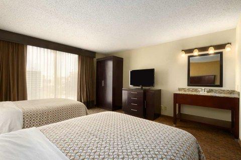 Embassy Suites Market Center Hotel - Double Double Suite