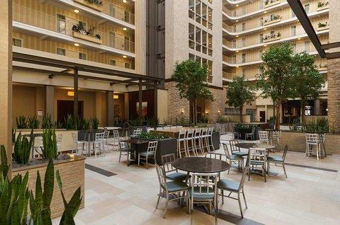 Embassy Suites Market Center Hotel - Atrium