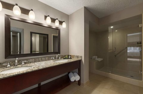 Embassy Suites Market Center Hotel - King Executive Suite