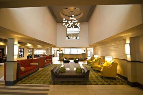 DoubleTree Suites by Hilton Huntsville South - Hotel Lobby