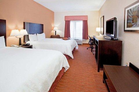 Hampton Inn Niagara Falls - Two Queen Beds