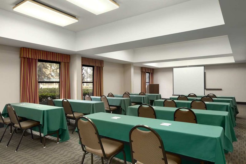 Hampton Inn Orlando-Convention Ctr-Intl Dr Area FL Toplantı salonu