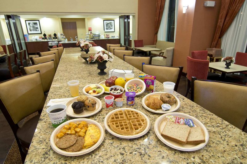 Hampton Inn & Suites Orlando International Drive North, FL Gastronomie