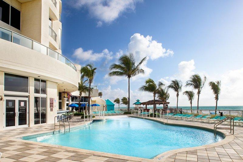 Doubletree Ocean Point Resort & Spa - Miami Beach North Bazén
