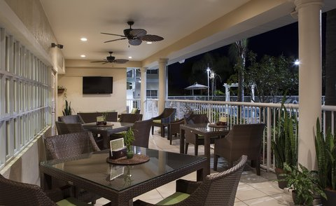 DoubleTree Suites by Hilton Naples - Dining Porch Seating