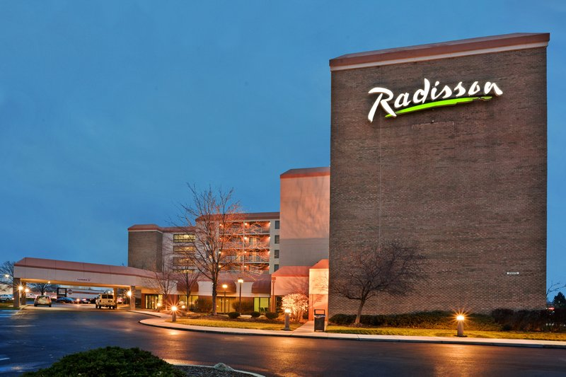 RADISSON HOTEL CLEVELAND AIR