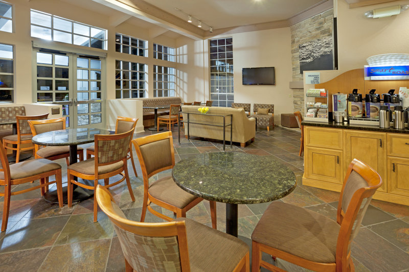 Holiday Inn Express MONTEREY-CANNERY ROW Gastronomie
