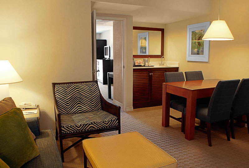 Sheraton Suites Fort Lauderdale at Cypress Creek - Fort Lauderdale, FL