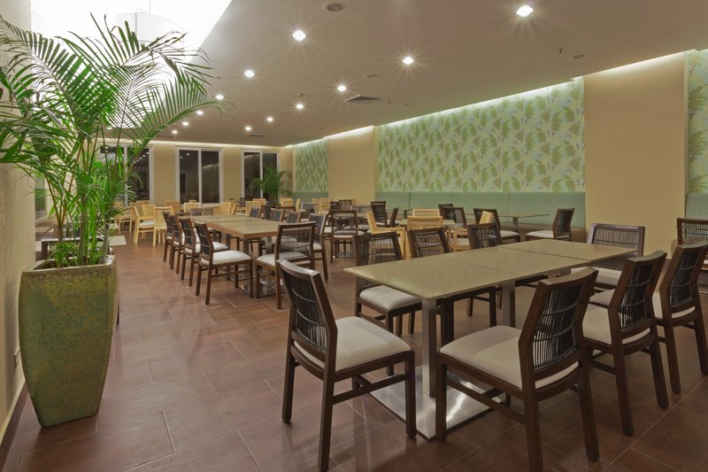 Country Inn & Suites By Carlson Panama Canal Gastronomia