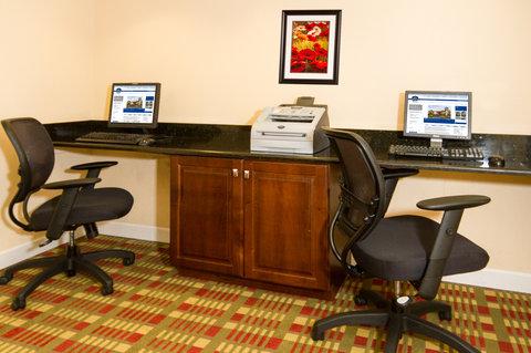 BEST WESTERN PLUS International Speedway Hotel - Business Center